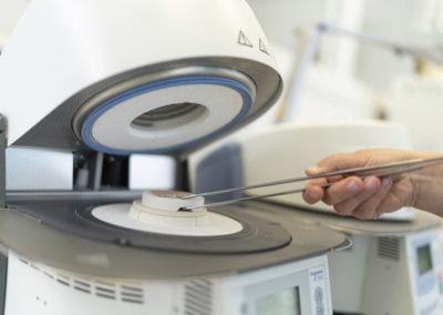 Hochtechnische Ausrüstung im Labor
